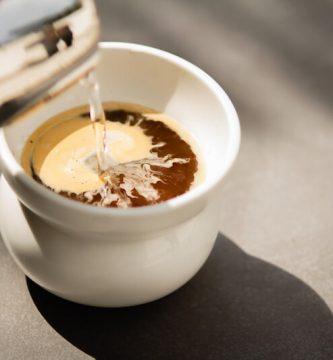 como-hacer-un-café-americano-¡AL-GRANO
